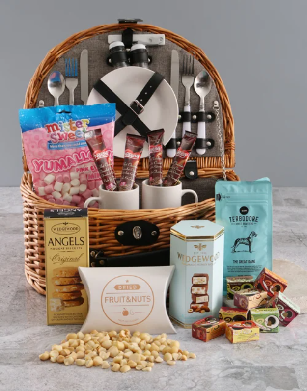 Corporate picnic baskets for spring